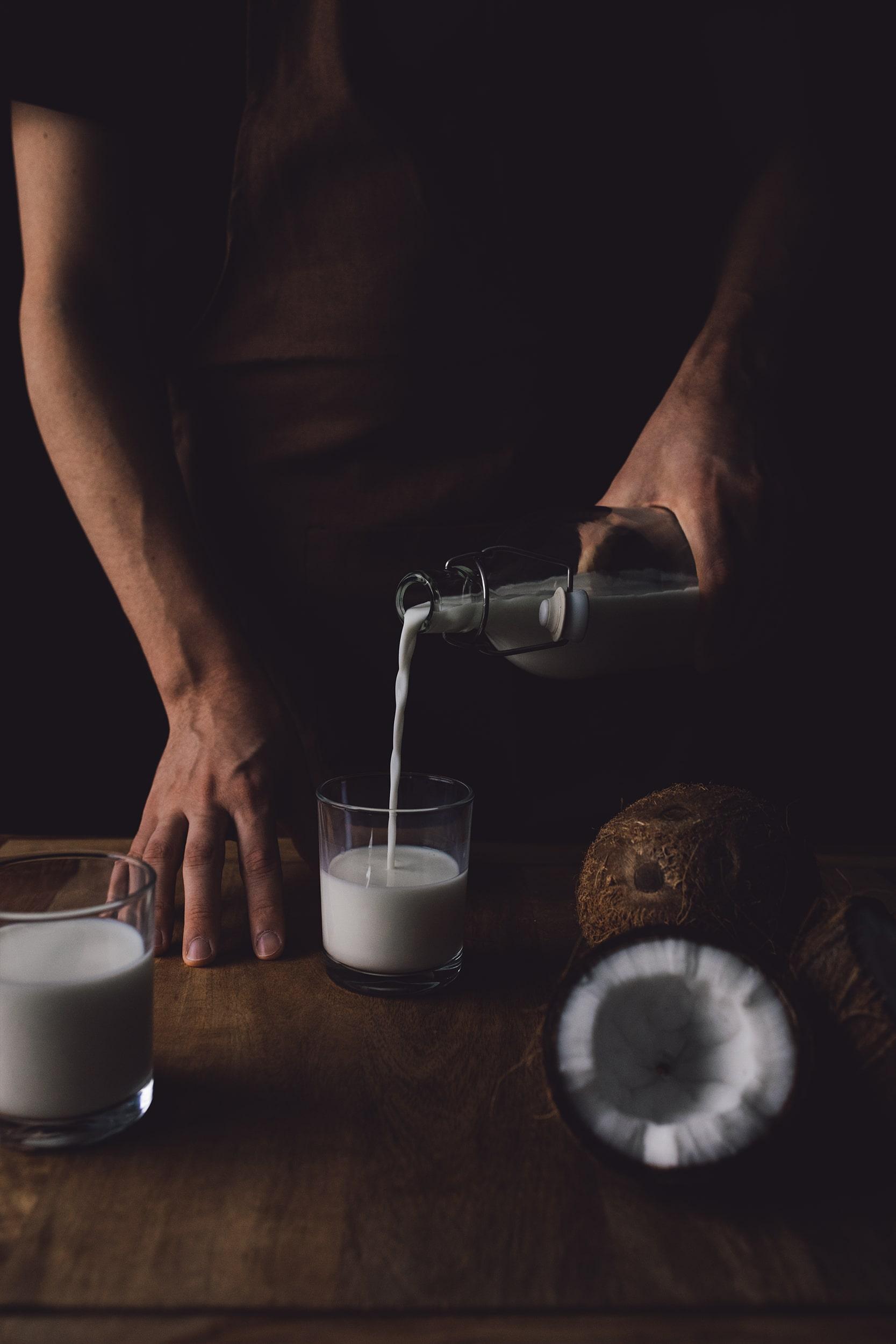 fotografía leche de coco