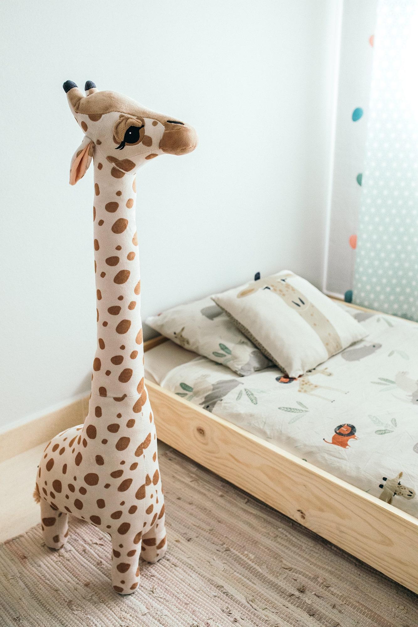 peluche jirafa H&M