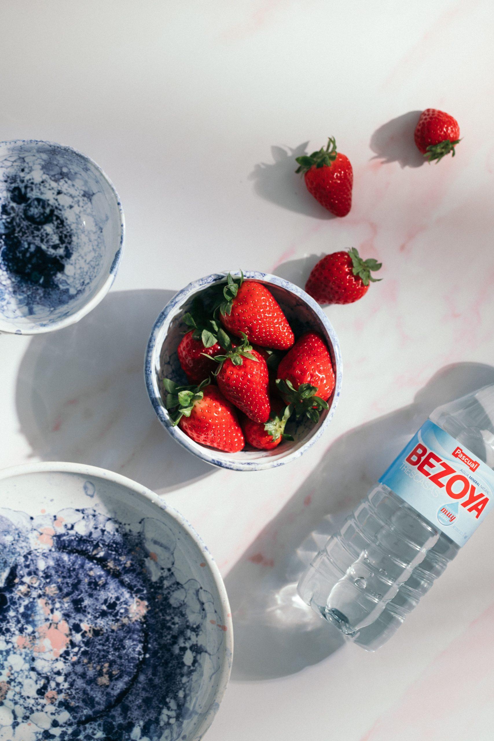 agua y fresas