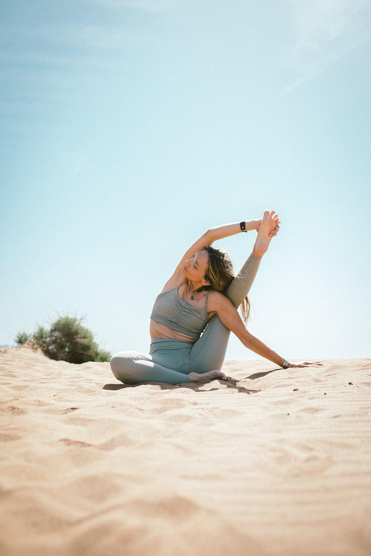 estiramiento yoga