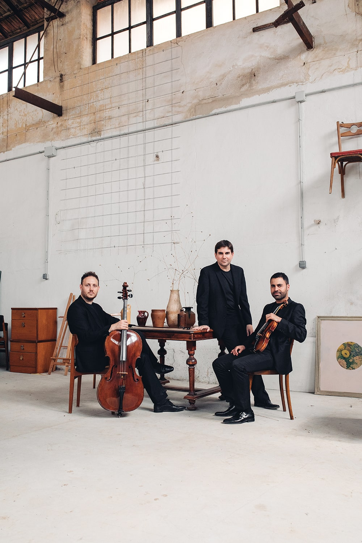 trío musical cuerda